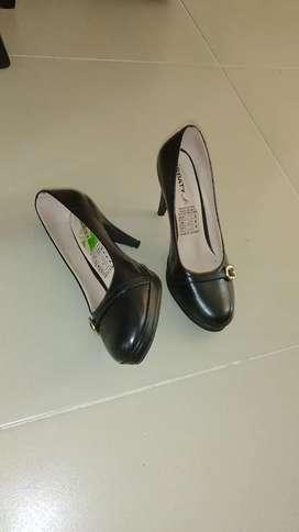 Zapato serio berbaty