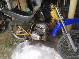 Moto DT 100 barata