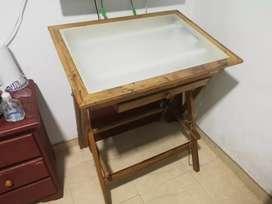 Mesa de dibujo con luz  y vidrio