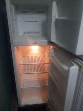 Refrigeradora marca Daewoo