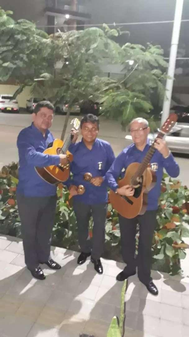 Musicalisimo  Es Trio Romanticos Musical D' Siempre 0