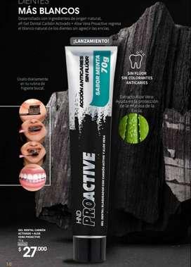 Crema dental con carbón activado para blanquear los dientes
