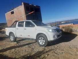 Vendo Camioneta Hilux SR, 2013