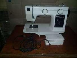 Maquina de coser PFAFF hobby 740