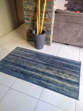Alfombra tapete azul