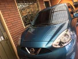 Nissan March Azul Turquesa