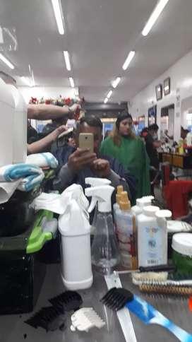 Se necesita estlilistas integrales y barberos