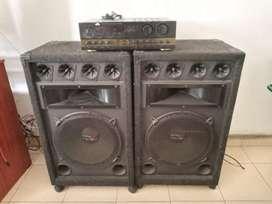 Amplificador de sonido y cabinas. Gangazo
