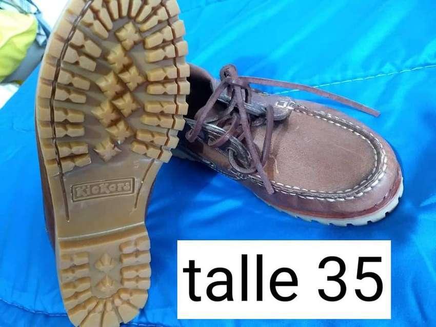 zapato colegial KICKERS n° 35 NUEVO