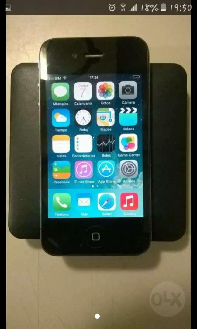 iPhone 4 con cargador 0