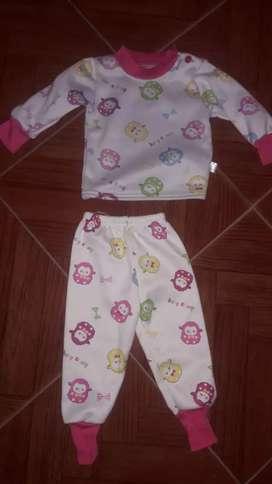 Pijama frizado para beba de 3 meses a 12 meses dependiendo la beba