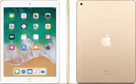 iPad 5ta Generación (2017), 9.7 pulgadas, color Gold, como Nuevo, Incluye: Teclado y Caja con accesorios