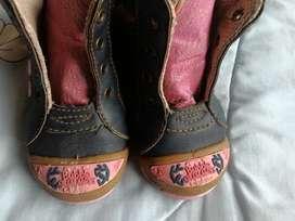 Vendo Zapatos Talla 24