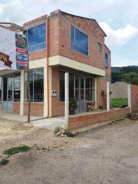 Se arrienda Local comercial buena ubicación y con parqueadero para clientes