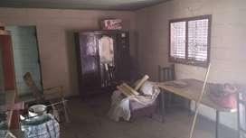Vendo casa primer piso, en Barrio España. Tiene terraza, 2 dormitorios, 1 baño, cocina, living-comedor