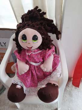 Vendo esta linda muñeca