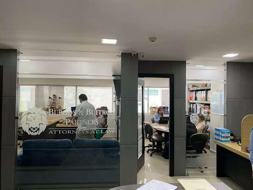 Venta de Oficina en Parque Empresarial Colón, Av. Juan Tanca Marengo 0