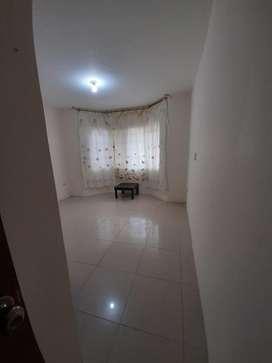 Habitacion bano privado cocina comedor lavanderia excelente ubicacion muy buen estado norte de Guayaquil