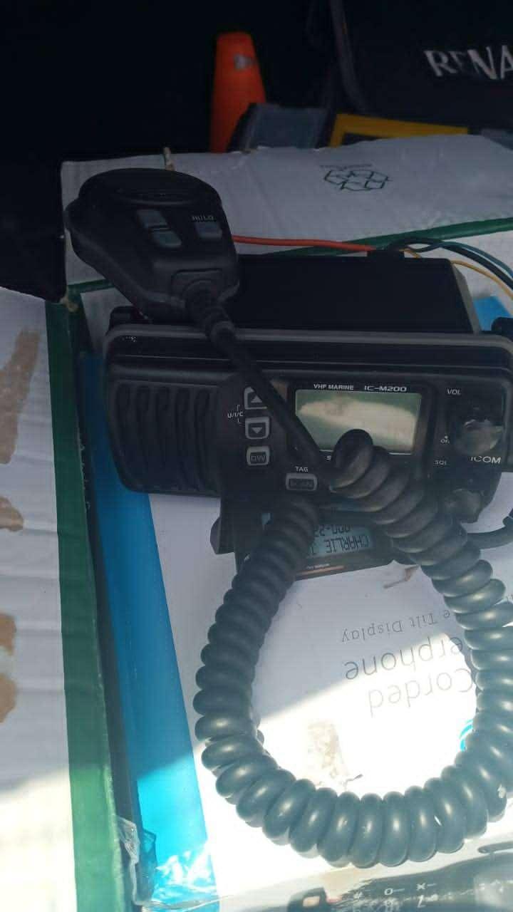 Radio comunicaciones icom ic m200 vhf canales marinos