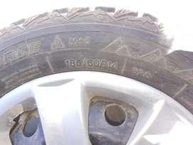Se Vende 2 Neumáticos con Clavos Winter Force 185/60R14Con Llantas
