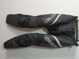 pantalon scorpion en cuero con proteccion para moto yamaha pulsar honda kawasaki