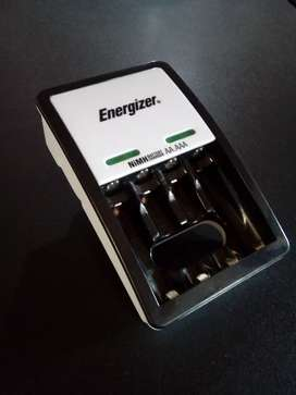 CARGADOR para Baterías AA. y  AAA. Producto nuevo