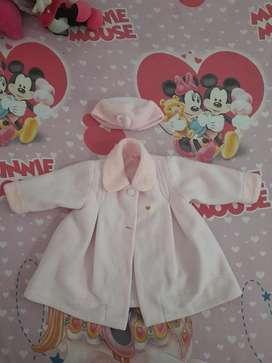 Gaban chaqueta importada niña 2 a 3 años con gorrito en excelente estado