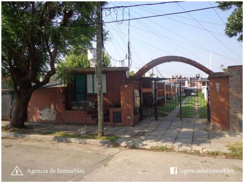 ALQUILA: Dpto 1 Dormitorio con Patio y Cochera / Complejo Cerrado / Zona Sur 0