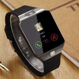 Elegante reloj celular Smartwatch c/ Caja nuevos c/ sd de 16 gigas