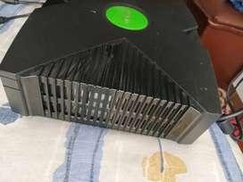 Consola xbox, no incluye controles
