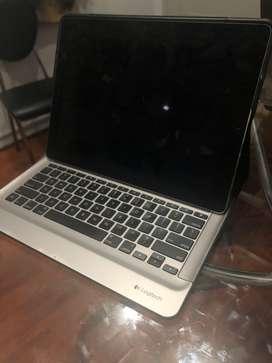Vendo Ipad Pro 64gb y Case/Teclado Logitech