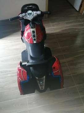 Se vende moto electrica en muy buen estado