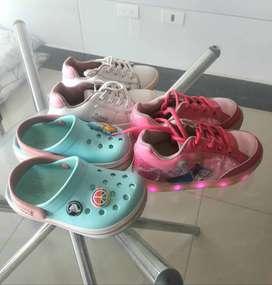 Lote de zapatos para niña de marca, talla 25, Crocs, bubble gummers, Disney