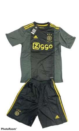 Uniformes de fútbol de Ajax