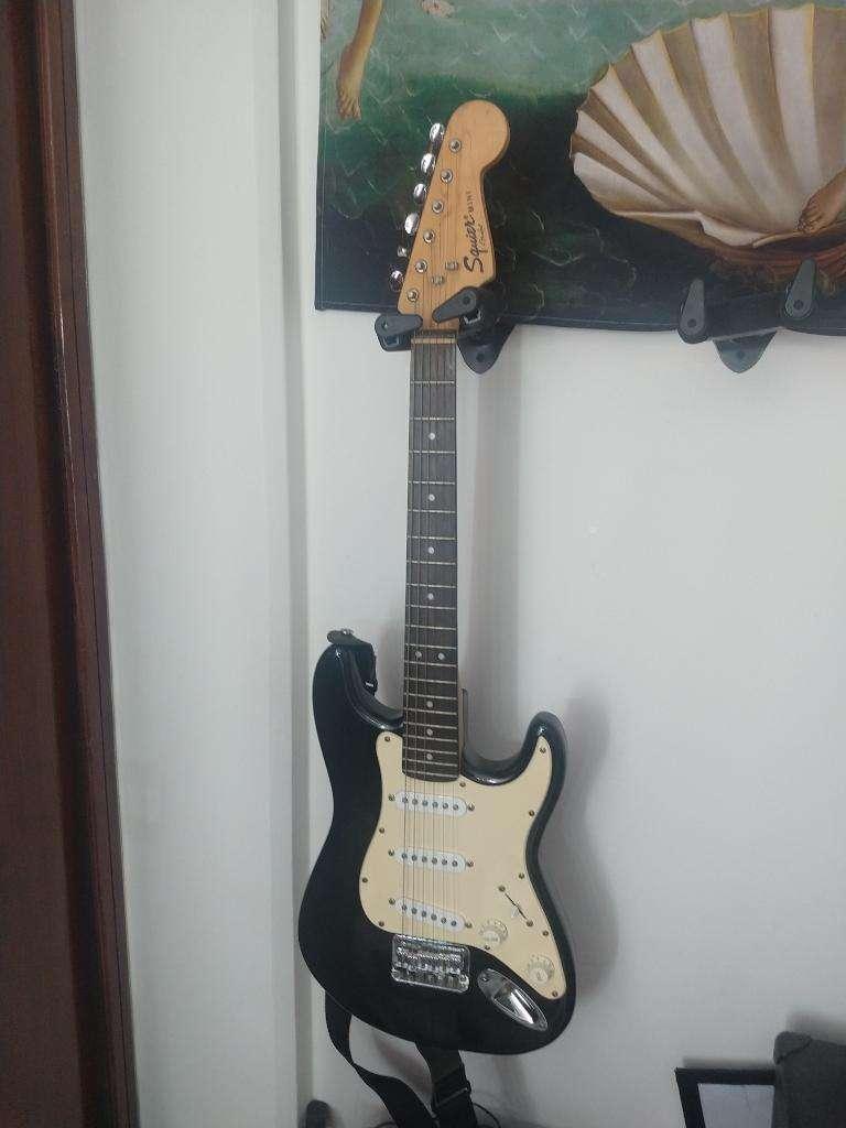 Guitarra Fender Squier Mini 0