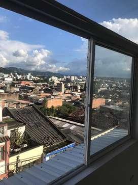 Se arrienda aparta-estudio en el Centro de Pereira. totalmente Nuevo. 4° piso