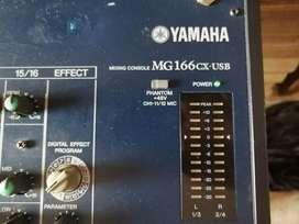 Consola Yamaha