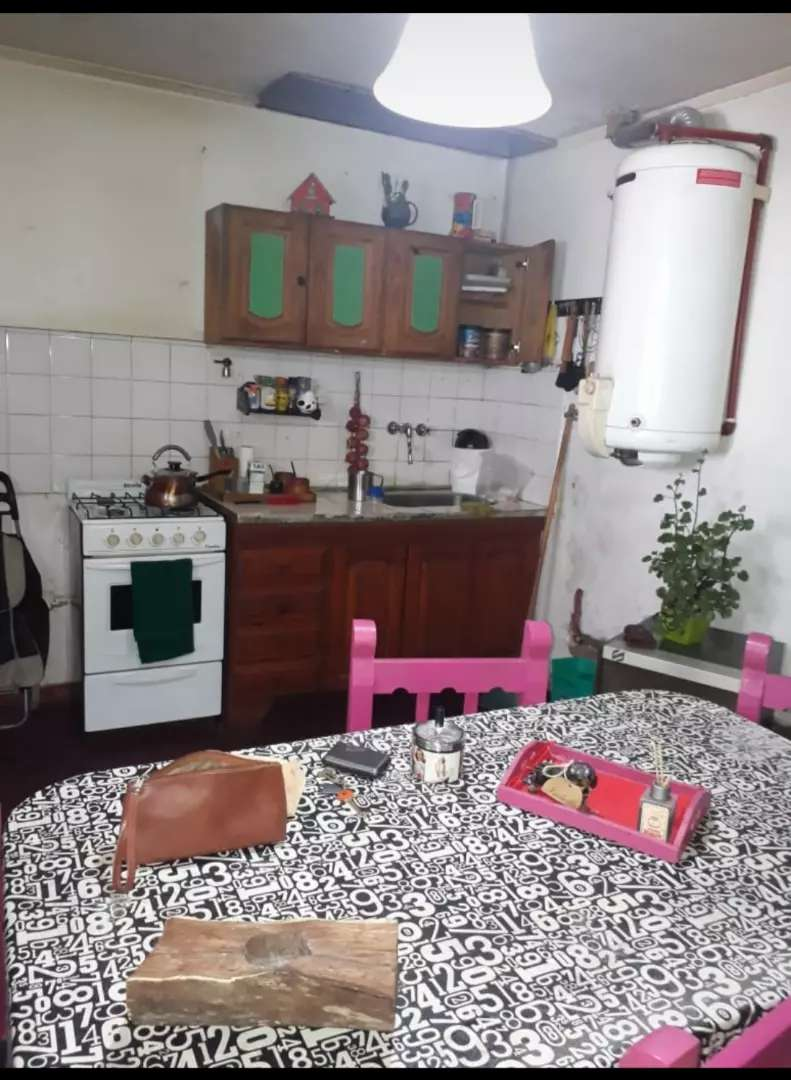 inmobiliaria manassero vende, ph a reciclar, 2 dormitorios, cocina comedor, baño, patio 0