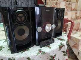 Panasonic SC-AKX12 - Minicomponente (250 W, 2 piezas, 160 mm, MP3, FM, AM, Y, Digital) Negro