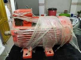 Motor trifacico de 5 caballos