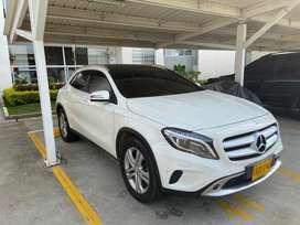 Mercedes Benz GLA 200 4x4 modelo 2016 cc1600 (FULL).