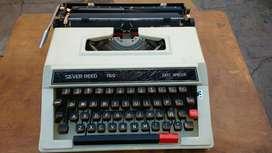 Vendo Máquina de Escribir, Nueva