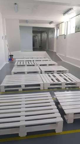 Alquilo almacén con oficinas bien implementado ideal para una empresa privada o institución pública