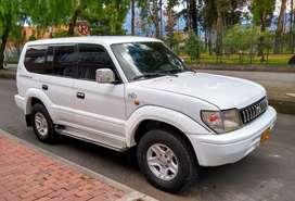 Se vende Toyota prado vx modelo 2006