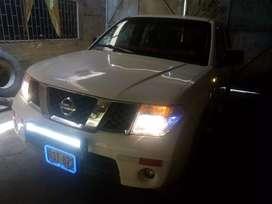 Se vende camioneta NISSAN NAVARA 2011