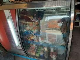 Enfriador con congelador mini interno.