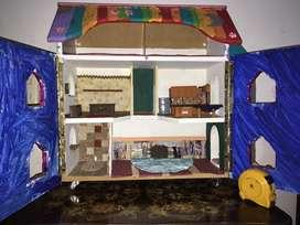 Casa de muñecas en madera