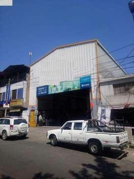 Alquilo Almacén  356 m2 Mariscal Castilla