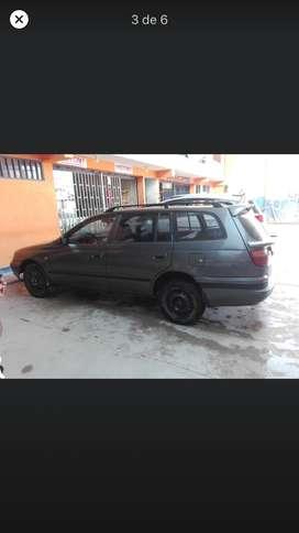 Vendo Toyota Caldina de mi uso personal año 95, motor 2c, 13500 soles(precio negociable)