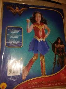Hermoso disfraz americano para niña wonder woman  o mujer maravilla talla 4 -6 como nuevo